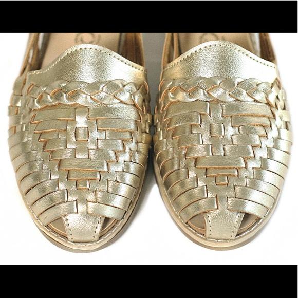 d456fb586337 Womens Closed Toe Colonial Huarache Sandals - Gold